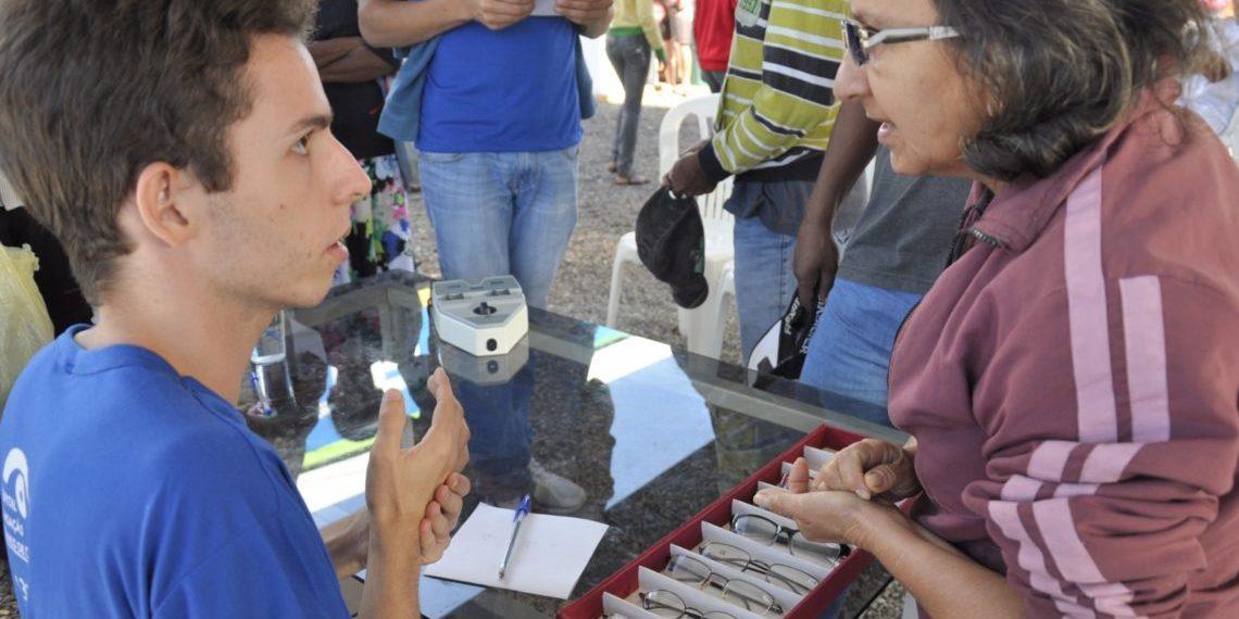 adef64e0815c1 Programa  Governo Junto de Você  entregará mais de 400 óculos de grau à  população de Caldas Novas