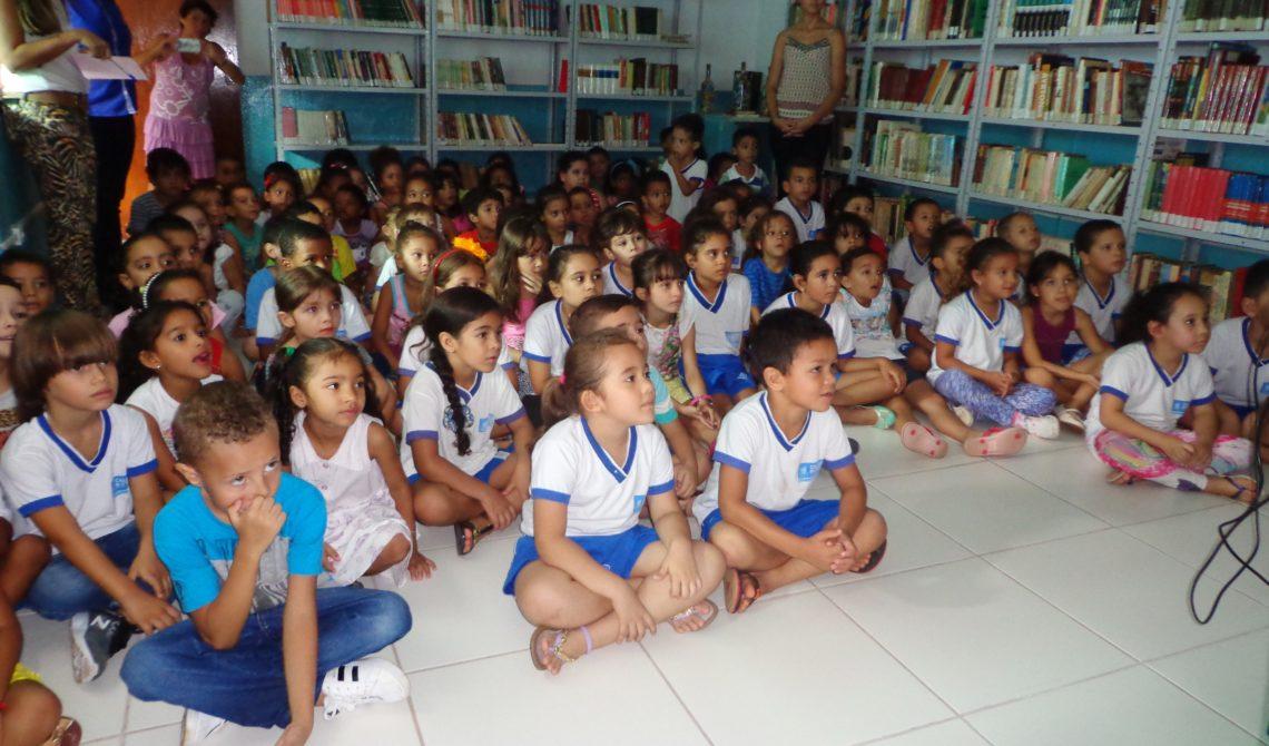 7ceadb450db8f CMEI São Miguel participa de visita guiada na Biblioteca Municipal